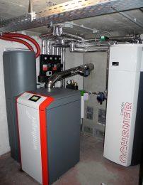 Windhager-Pelletheizung und Ochsner Brauchwasser-Wärmepumpe